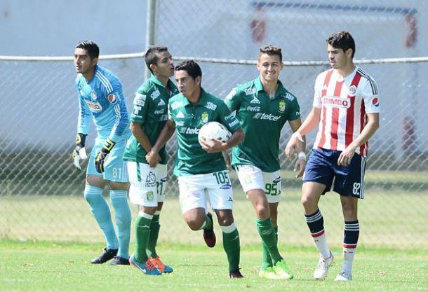 En Segunda Premier, León rasguñó el empate ante Chivas