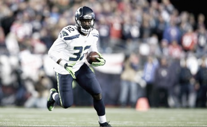 Seattle Seahawks waive Christine Michael