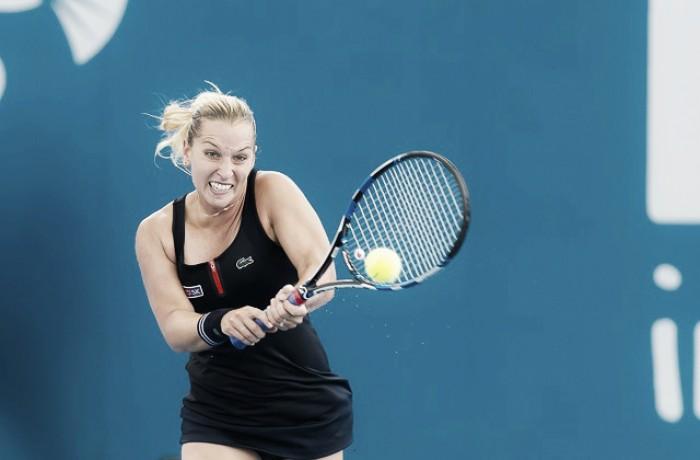 WTA Hobart: Cibulkova schiacciasassi, Barthel ok
