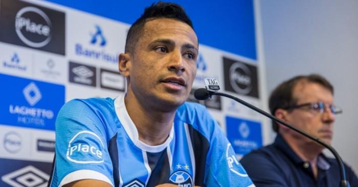 Sem resposta sobre renovação, Grêmio pode não contar com Cícero e Cristian em 2018