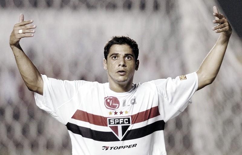 Cicinho fala de Rogério Ceni, companheiros de 2005 e Palmeiras