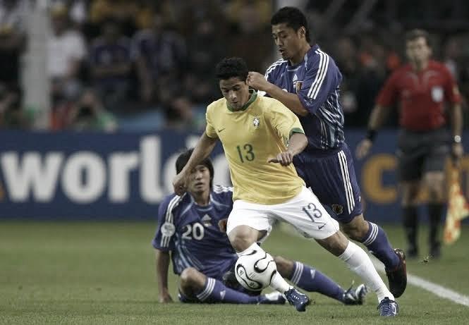 Cicinho conta que torceu para ser reserva de Cafu na Copa de 2006