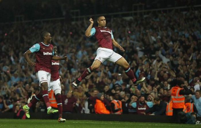 Commozione tra le bolle di sapone: il West Ham saluta Boleyn Ground battendo 3-2 il Manchester United