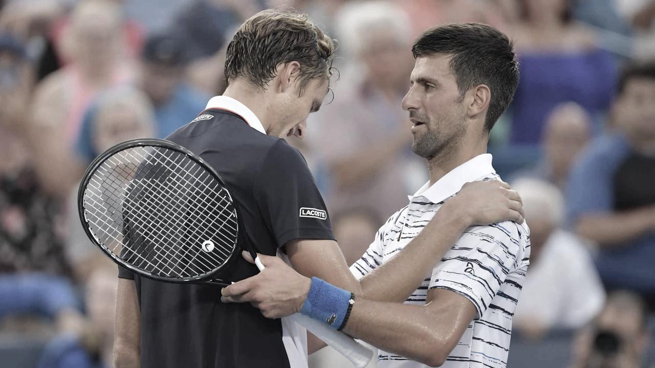 Djokovic e Medvedev se enfrentam pela final masculina do Australian Open