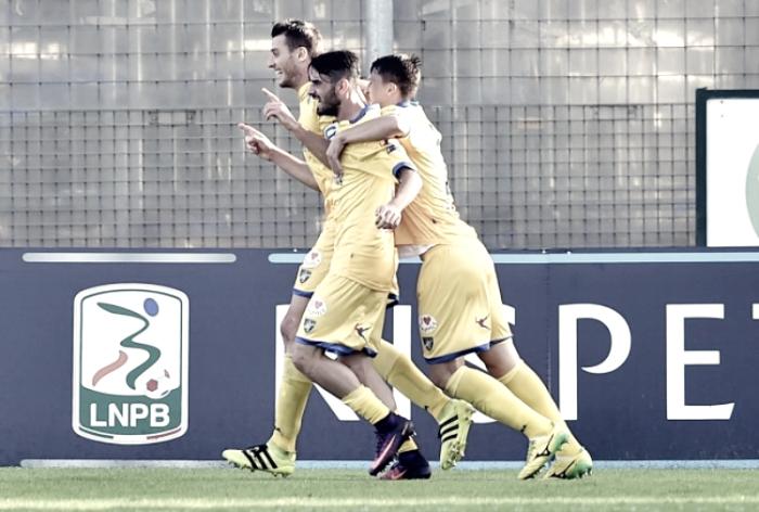 Serie B: il Frosinone stende la Spal e vola in vetta