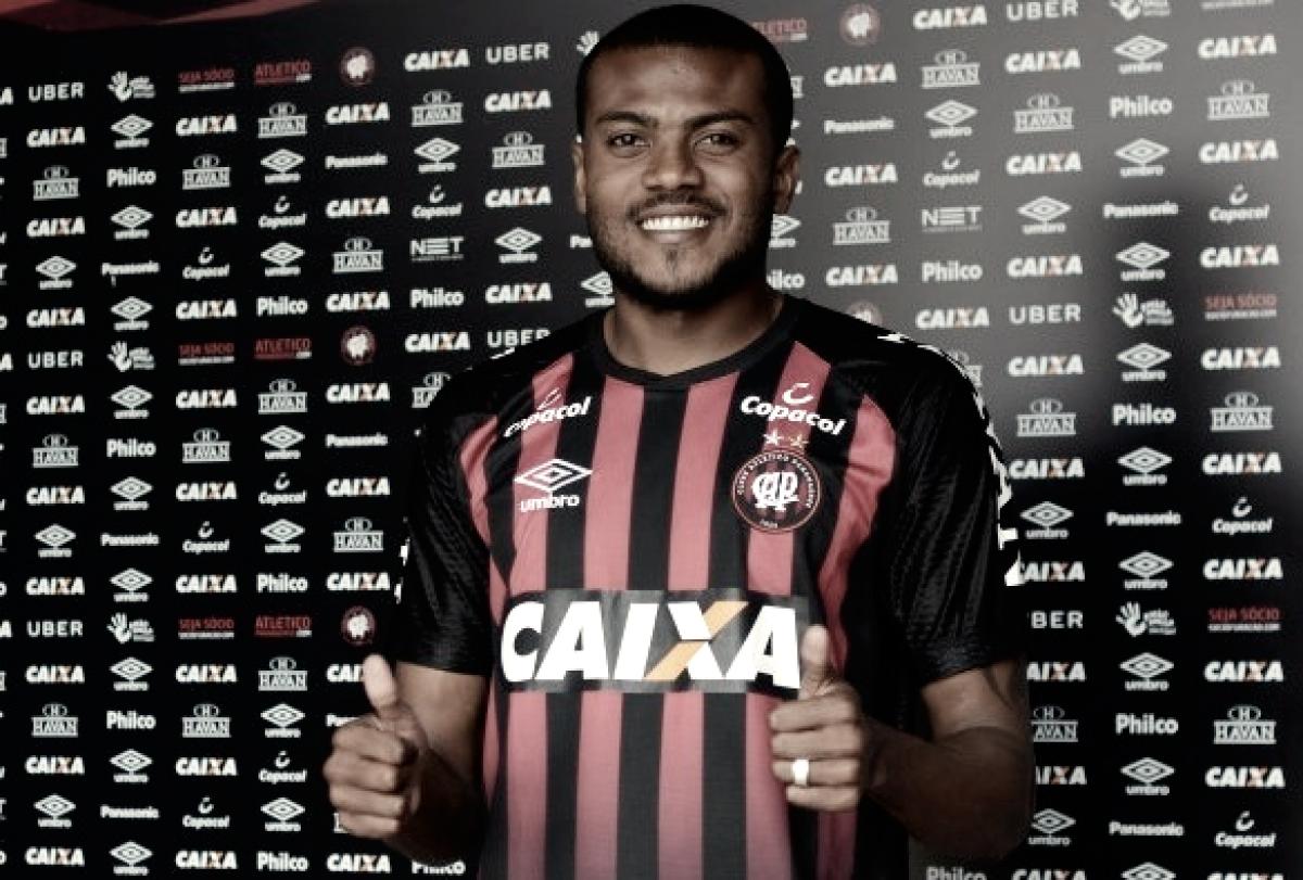 Após quatro anos, Marcelo Cirino está de volta ao Atlético-PR