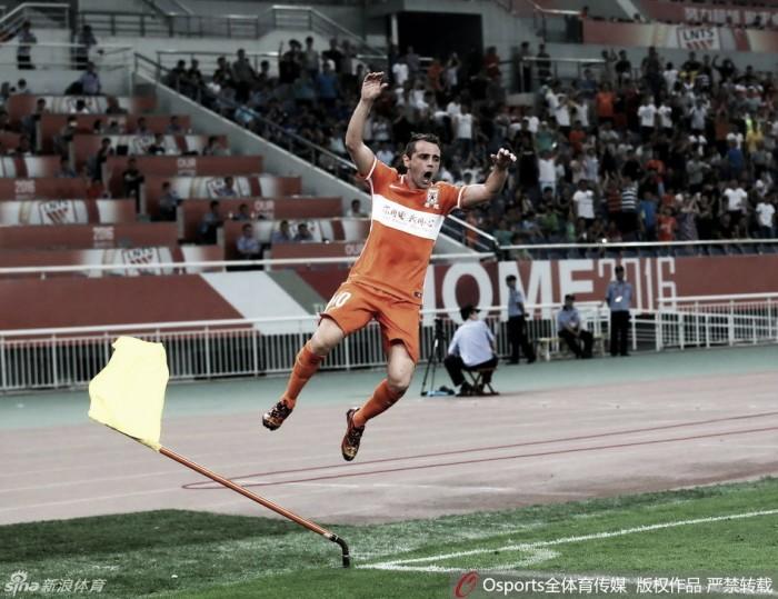 Meia Montillo brilha e Shandong volta a vencer depois de dez jogos