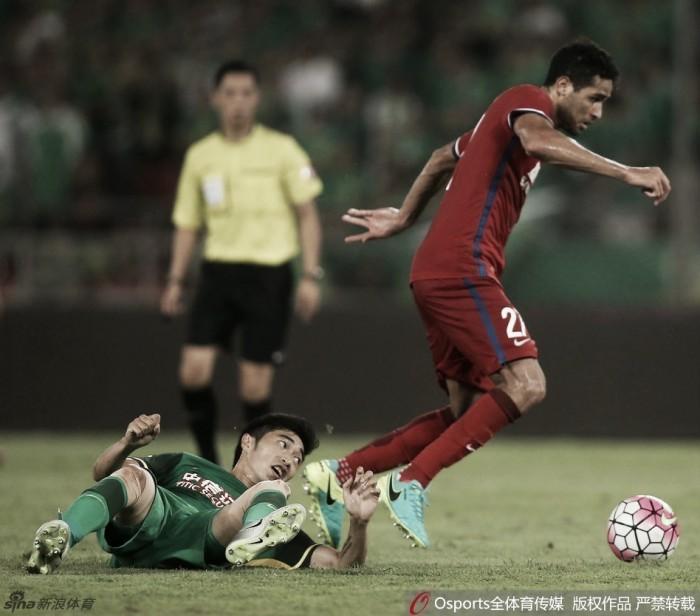 Sem Renato Augusto, Beijing Guoan perde em casa com gol de Alan Kardec na Super Liga Chinesa