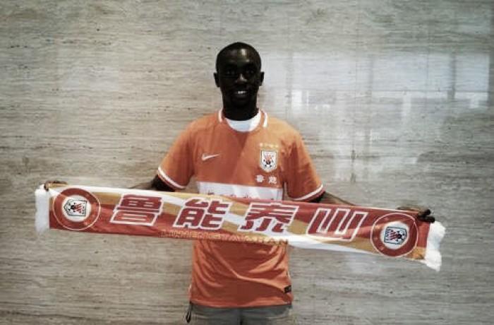 Atacante Papiss Cissé deixa o Newcastle e acerta com o Shandong Luneng