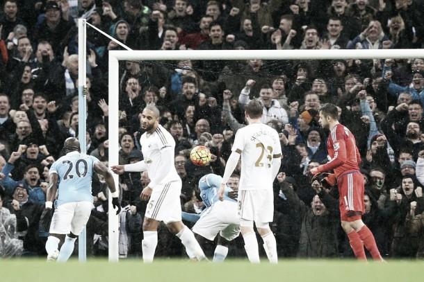 Premier League, City all'ultimo respiro contro lo Swansea (2-1)