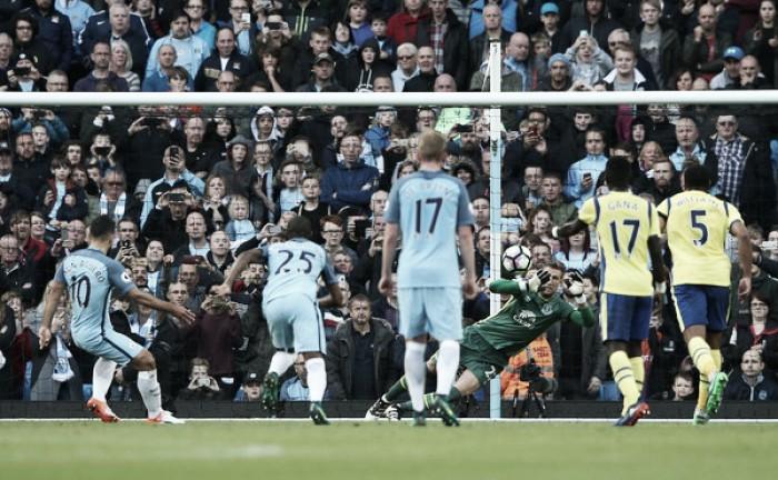 City empata com Everton em dia inspirado de Stekelenburg e vê rivais encostarem