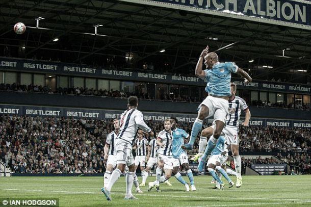 Premier League: Manchester City arranca em força, Arsenal e Chelsea tropeçam