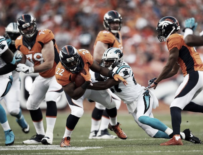 Na volta da NFL, Denver Broncos vira e evita revanche do Carolina Panthers