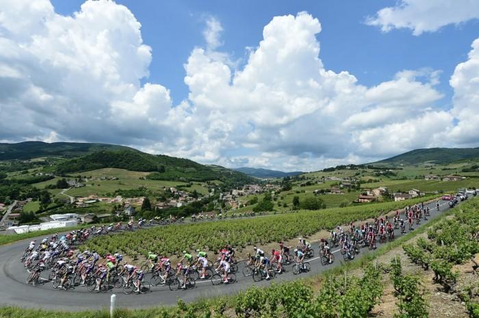 Giro del Delfinato, 3° tappa: diverse salite, prima di una volata a ranghi ridotti