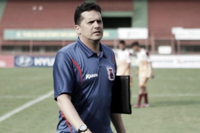 Avaí confirma técnico Claudinei Oliveira como substituto de Silas
