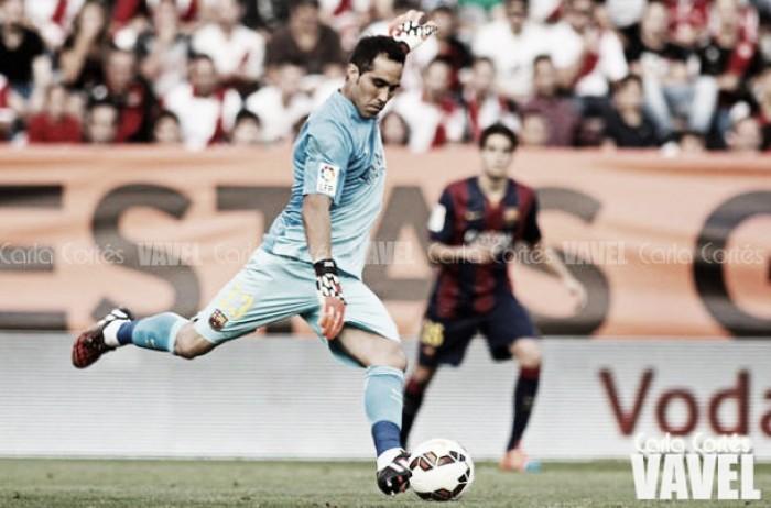 """Claudio Bravo: """"Será especial visitar el Camp Nou"""""""