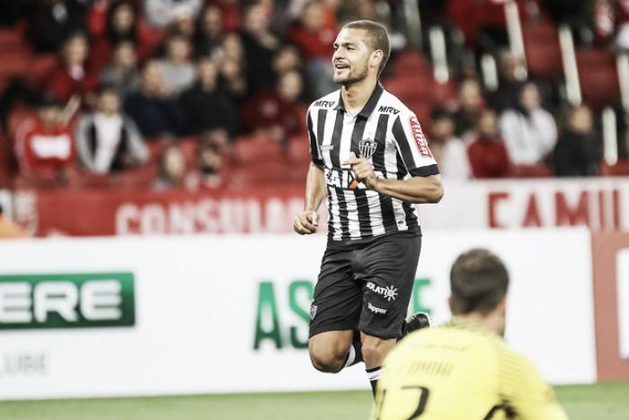 Com gol de Clayton, Atlético-MG bate Internacional e avança na Copa da Primeira Liga