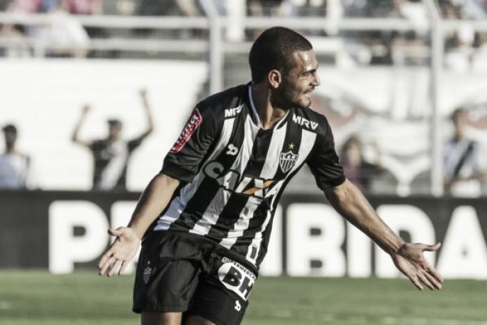 Atlético-MG bate Ponte Preta em Campinas e segue próximo aos líderes