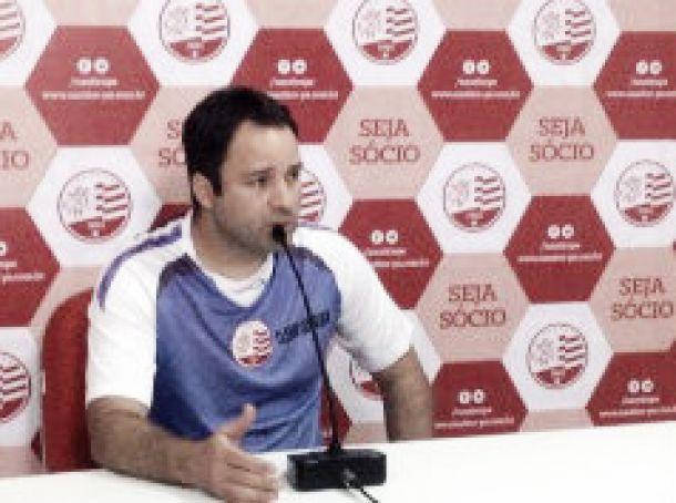 Cléber Queiroga explica processo de avaliação dos jogadores do Náutico no retorno aos treinos