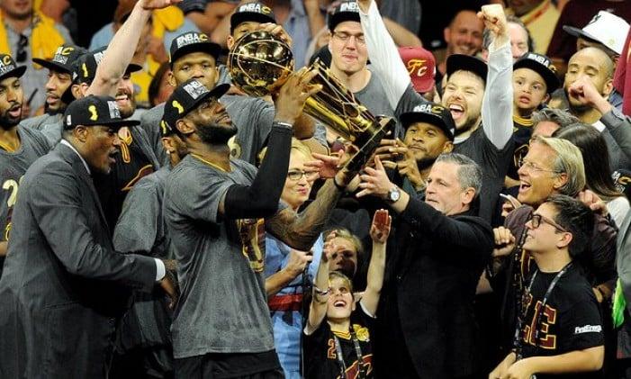 NBA Finals - Cleveland scrive la storia: rimonta completata, Golden State al tappeto in gara 7