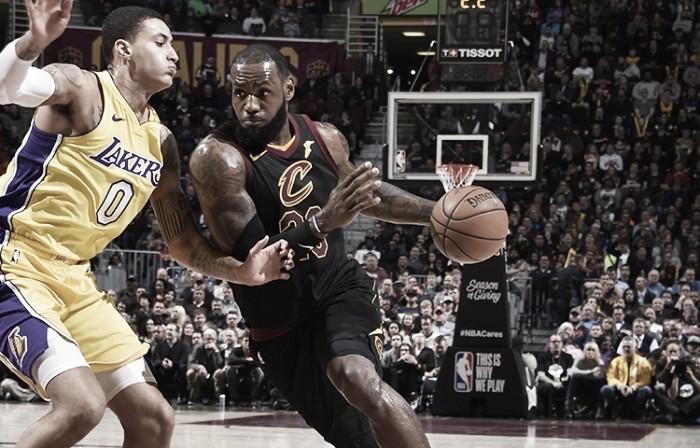 Los Lakers sucumben al 'Rey'
