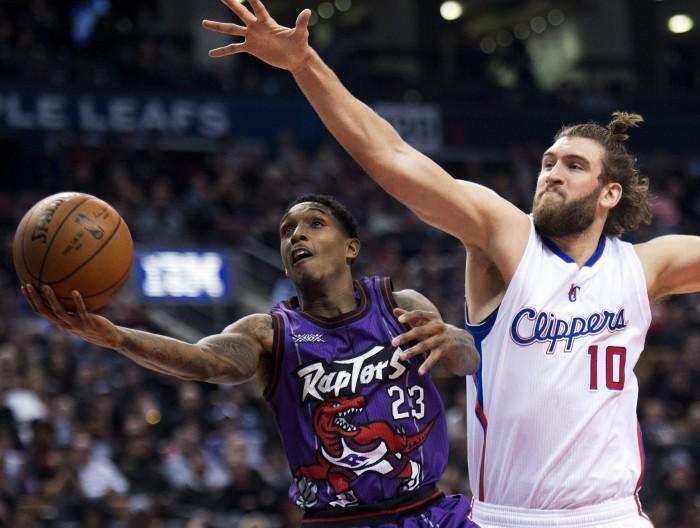 Nba - Riecco DeRozan e Toronto supera i Clippers, bene New Orleans contro Phoenix