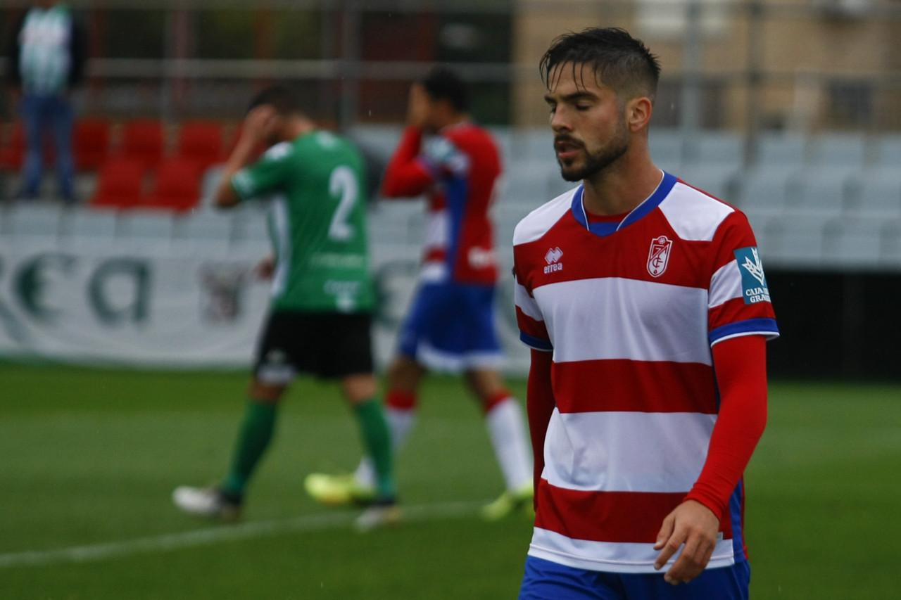 El Recreativo Granada pierde ante un defensivo Linense