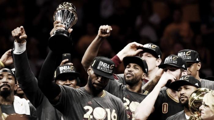 LeBron James iguala feito de Kareem Abdul-Jabbar de ser MVP das finais por times diferentes