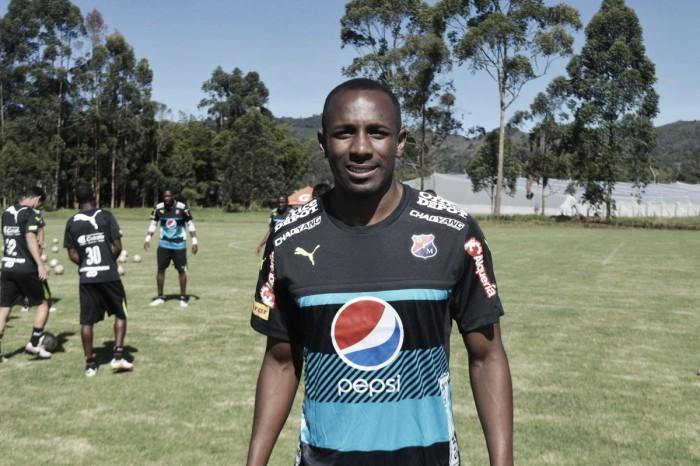 Juan David Valencia se viste con la del Medellín por tercera vez