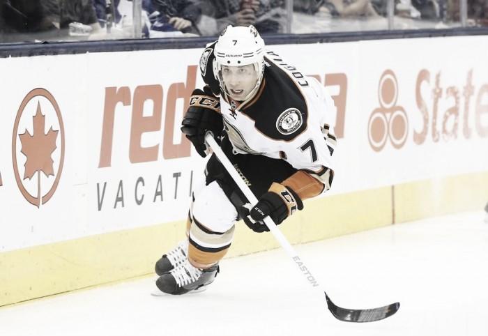 Andrew Cogliano prolonga su contrato con los Ducks
