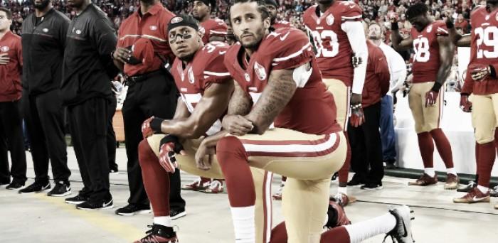Kaepernick recebe ameaças após protesto no hino nacional