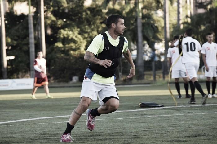 """Juan Colina: """"Los entrenamientos han sido bastante positivos, intensos y lo hemos asimilado de la mejor manera"""""""
