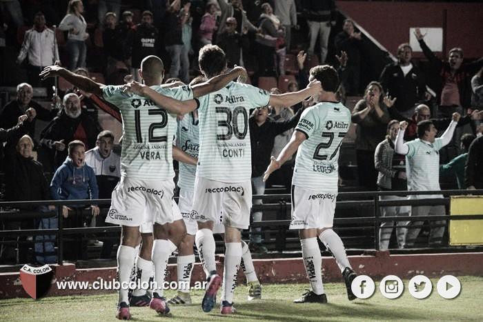 Atlético Tucumán frenó a Colón: empataron en Santa Fe