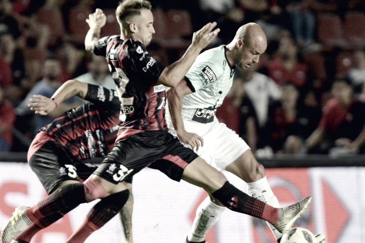 Colón pone primera en la Superliga