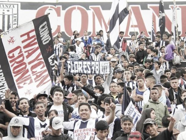 Barra de Alianza Lima realizó banderazo en Matute a portas del Superclásico ante Universitario