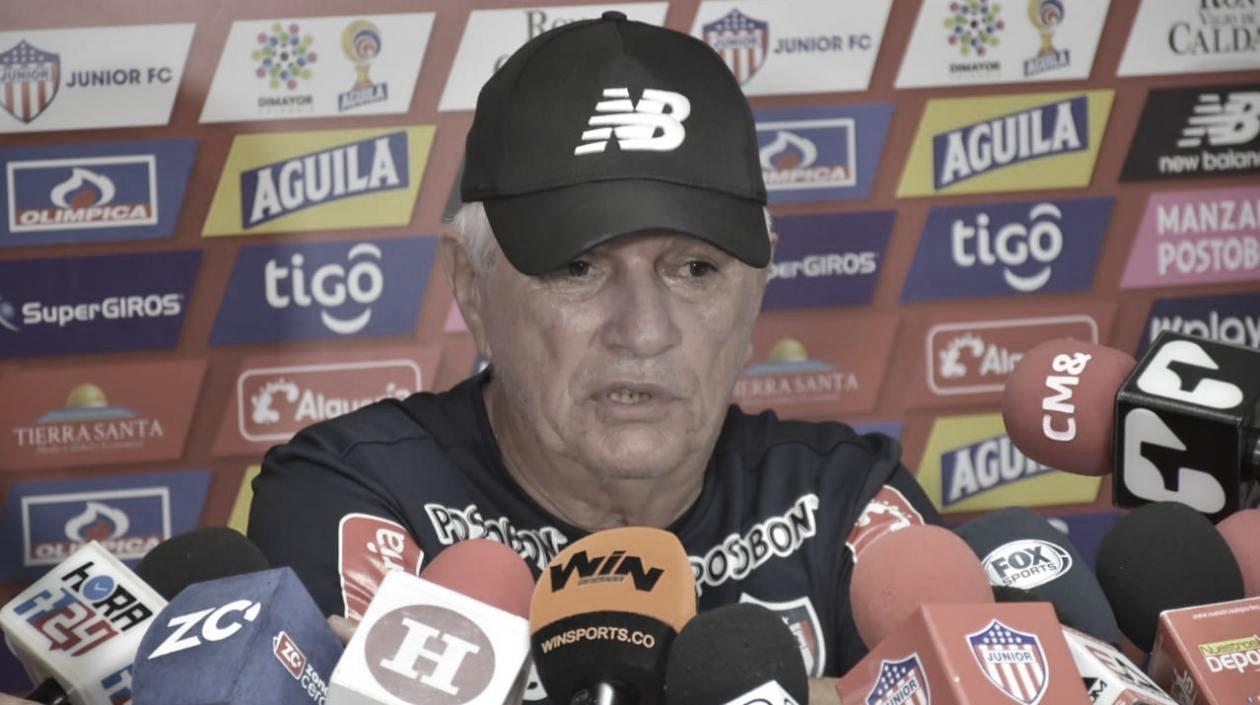 """Julio Comesaña: """"La Copa Aguila permite darle minutos a jugadores que no juegan"""""""
