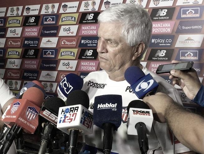 """Julio Comesaña: """"Santa Fe es un rival difícil pero vamos a hacer el mayor esfuerzo para ganar"""""""