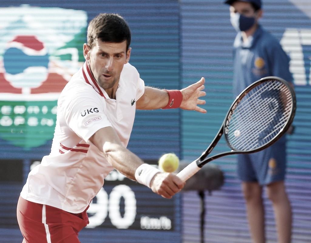 Djokovic, en camino hacia un tercer título en Serbia