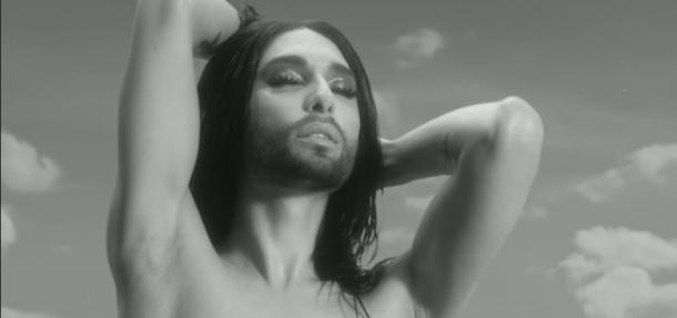 Conchita Wurst, al desnudo en su nuevo videoclip