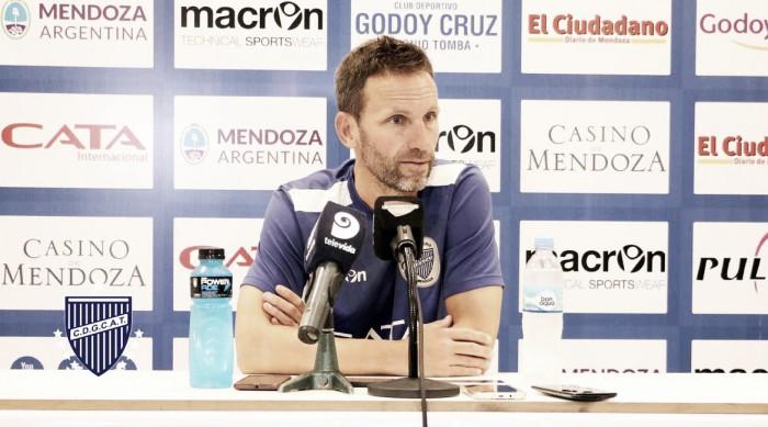 """Lucas Bernardi: """"River es muy completo, de los mejores equipos y planteles del campeonato"""""""