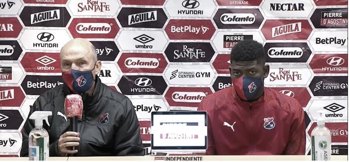 """Javier Álvarez: """"Ellos fueron superiores y nos ganan bien"""""""
