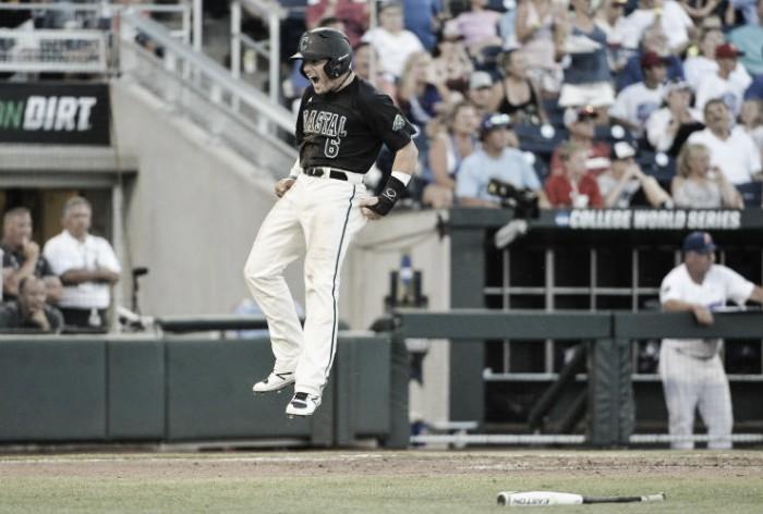 Coastal Carolina defeats Florida in first game of 2016 College World Series