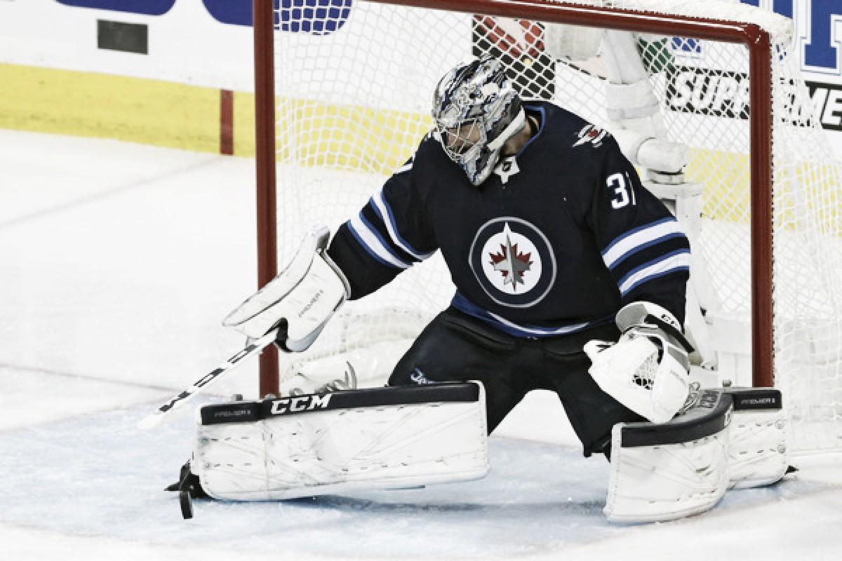Winnipeg Jets sign Hellebuyck: Is reward worth the risk?