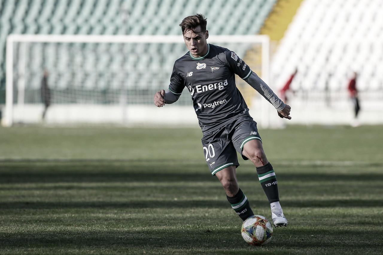 Com passagem pelo Figueirense, lateral-esquerdo Conrado espera participar de título na Polônia