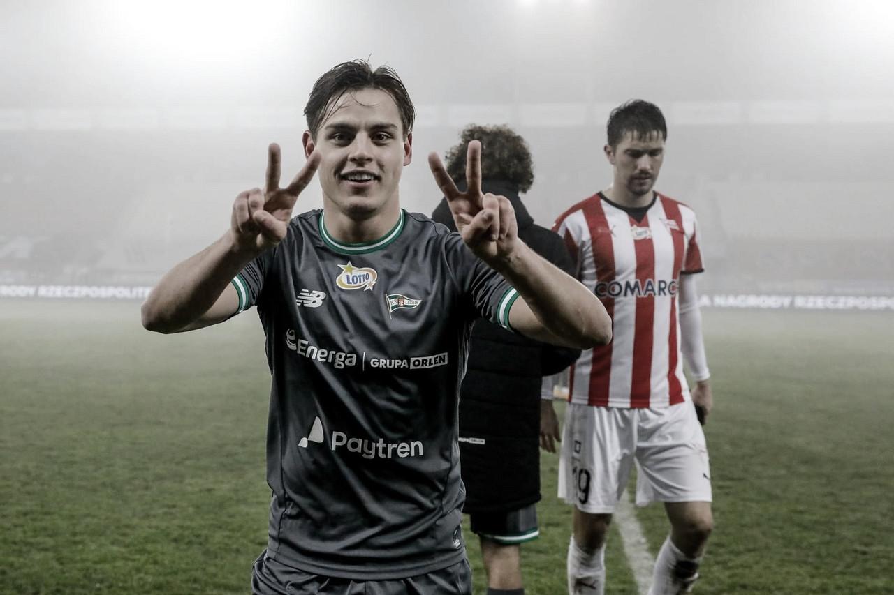 Conrado afirma viver boa fase no Lechia Gdansk e mira evolução do time na sequência da temporada