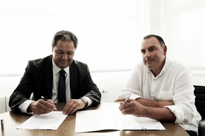 El Deportivo firma un convenio con el Santirso