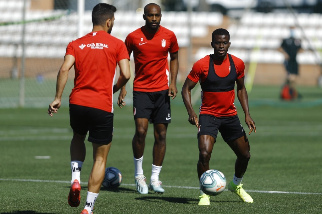 Köybasi y Vadillo se caen de la convocatoria del Granada CF para recibir al Getafe