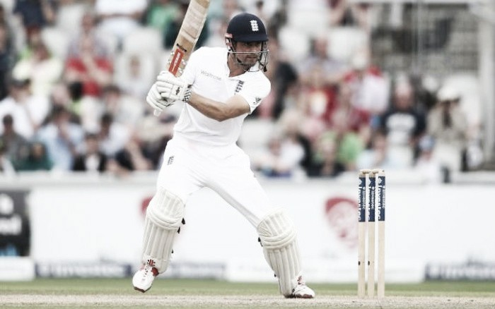 England vs Pakistan Day Three: Cook mystifies everyone with batting decision