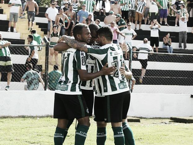 Operário-PR e Coritiba empatam e avançam às semis do primeiro turno do Paranaense