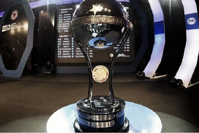Banfield jugando por Sudamericana